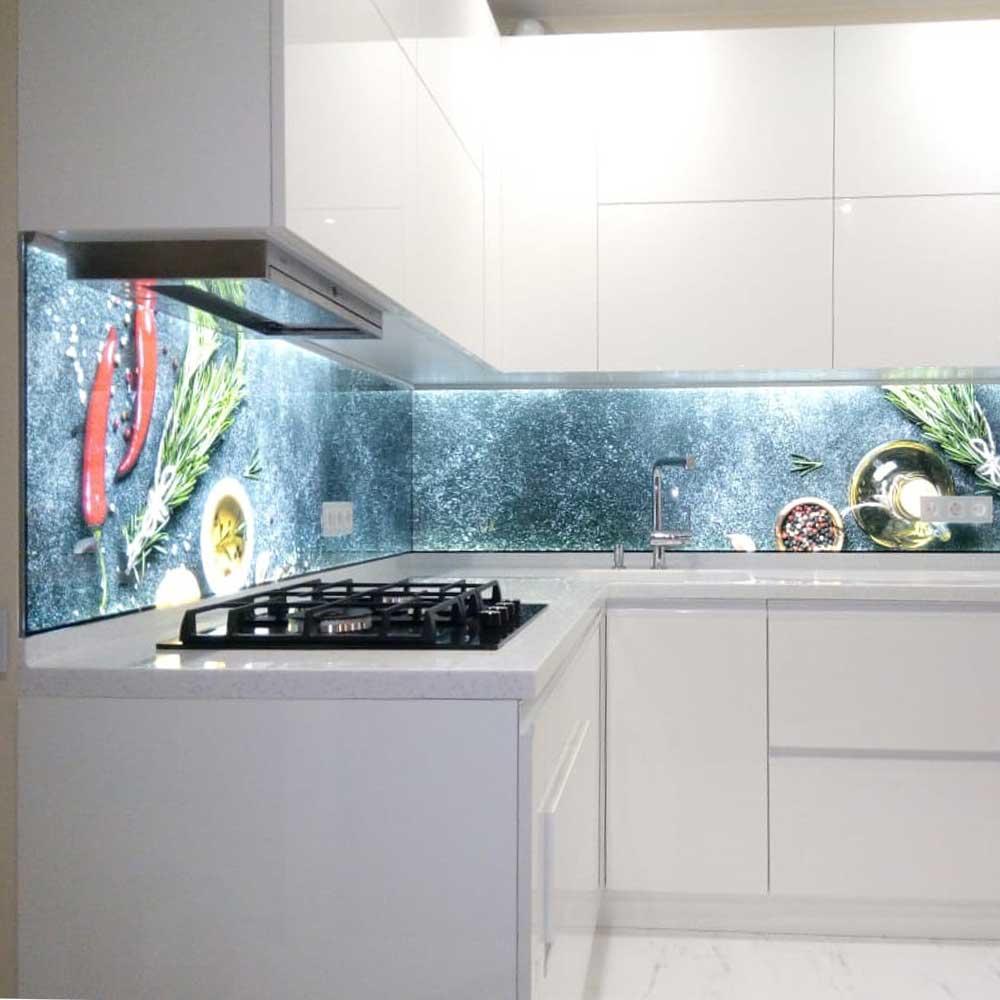 Фартук для кухни из стекла с подсветкой
