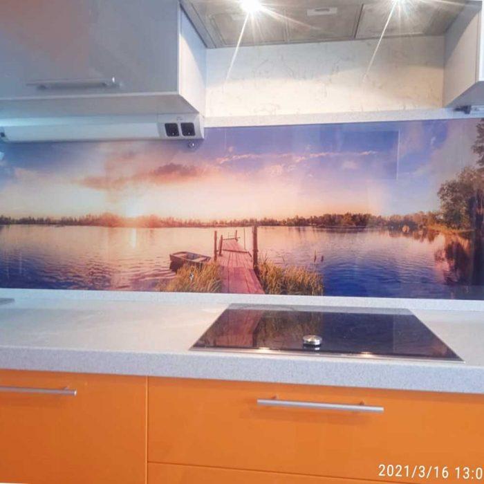 Фартук из стекла для оранжевой кухни