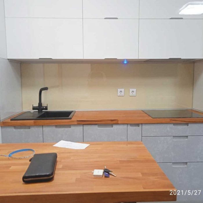 Фото стеклянного фартука прозрачного для кухни